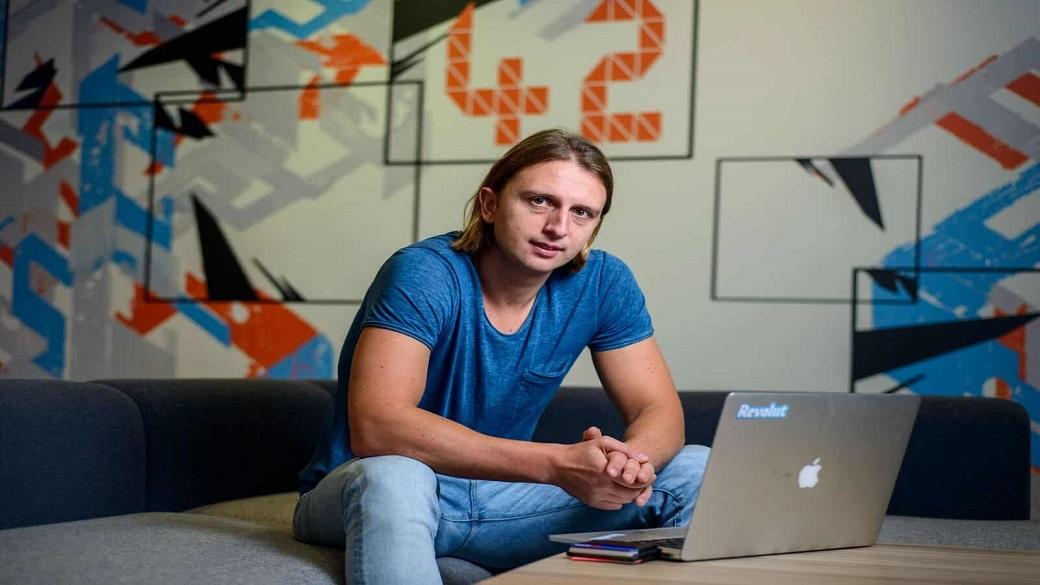 Revolut launches operations in Australia